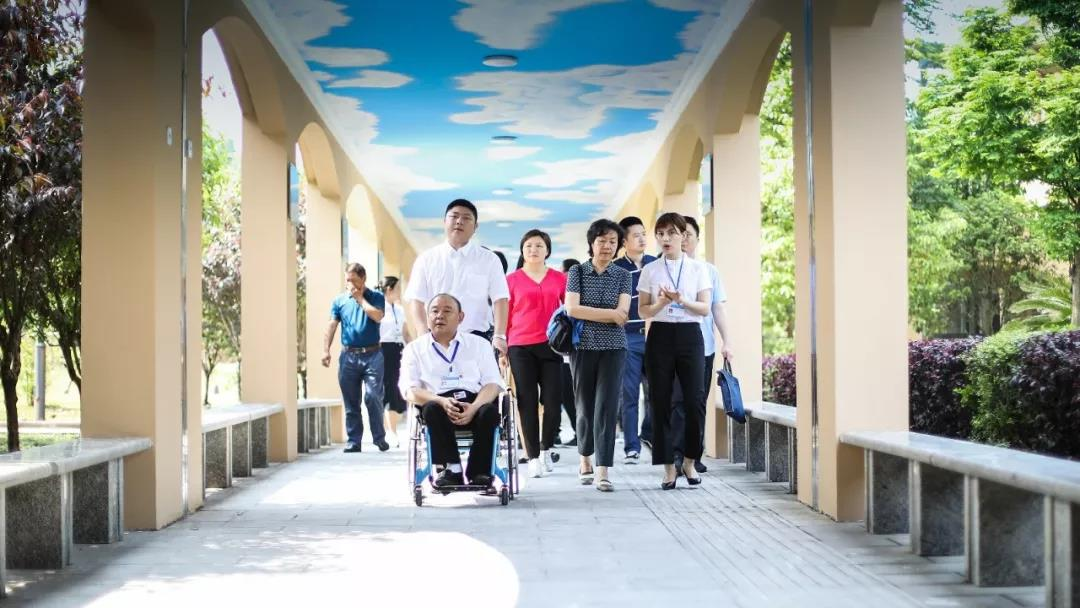 中国儿童福利和收养中心党委副书记兼纪委书记郭萌一行到我院开展调研工作